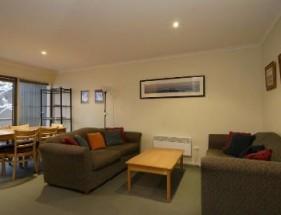 Elkhorn12-lounge