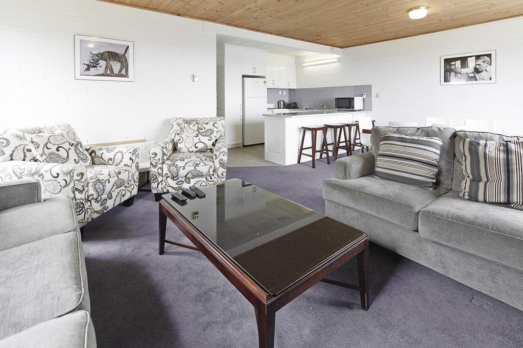 Moose 9 lounge kitchen 2014