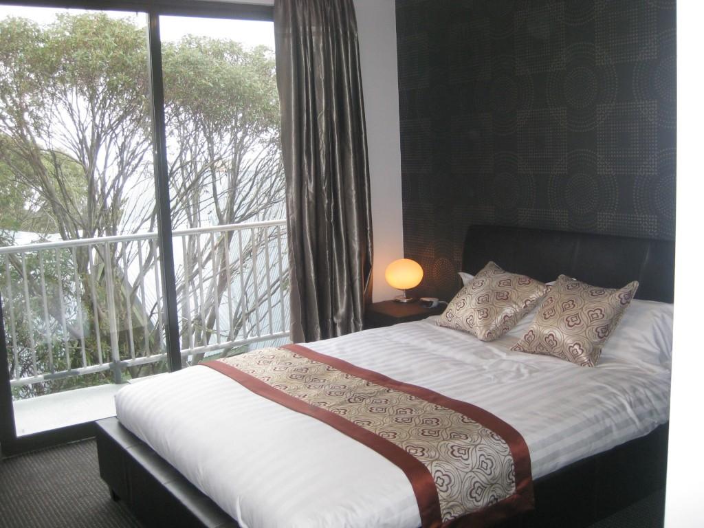 Duck Inn bedroom 2014